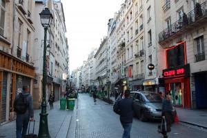 Rue Saint-Denis, Paris. Crédits: Mathilde Caro.